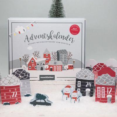 Calendario dell'Avvento Fai Da Te con Villaggio di Natale