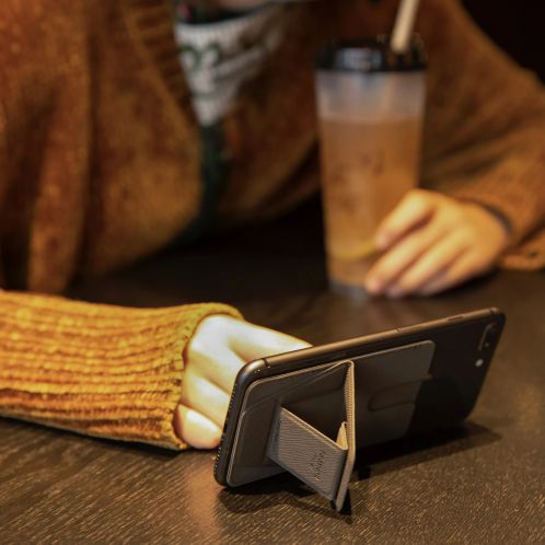 Supporto per Smartphone con Slot per Tessere