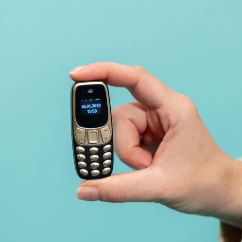 Il Cellulare Più Piccolo al Mondo