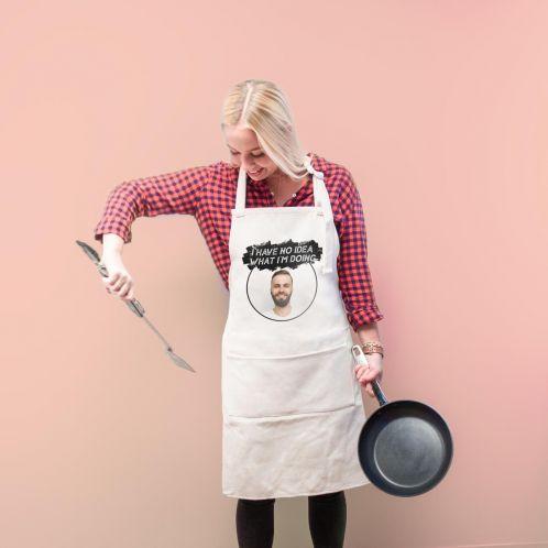 Grembiule da cucina con colore e testo personalizzabile