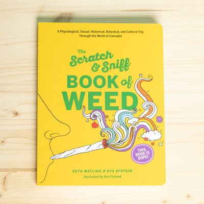 Il Libro sulla Cannabis da Grattare e Annusare