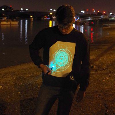 Abbigliamento & Accessori - Interactive Glow Sweatshirt – felpe interattive