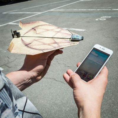 Regali di Natale per Lui - PowerUp 3.0 - unità per controllare gli aeroplani di carta con smartphone