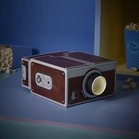 Proiettore 2.0 in Stile Retrò per Smartphone