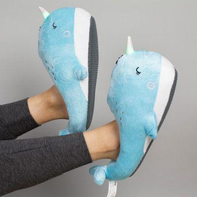 Idee regalo amica - Pantofole Luminose Narvalo